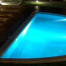 Cum ne ajuta un sistem de iluminare piscine?