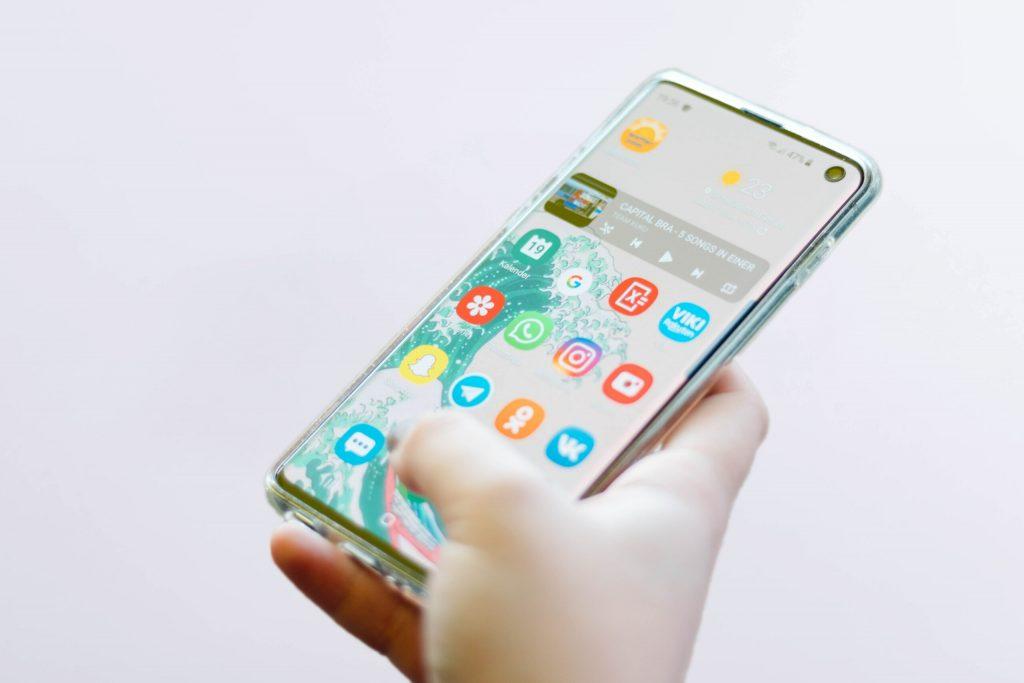 Cateva motive pentru alegerea unui dispozitiv iPhone
