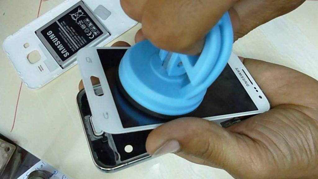 De ce ajunge Samsung Galaxy Core Prime G360 in service?